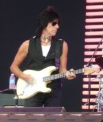 Jeff Beck performing at the Crossroads Guitar Festival 2007 by Truejustice