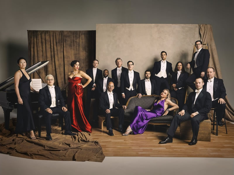 Pink Martini, Foto: Chris-Hornbecker